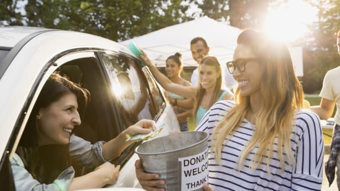 Premium: Woman donates money